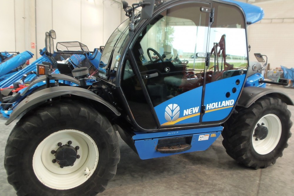 New Holland LM 5040