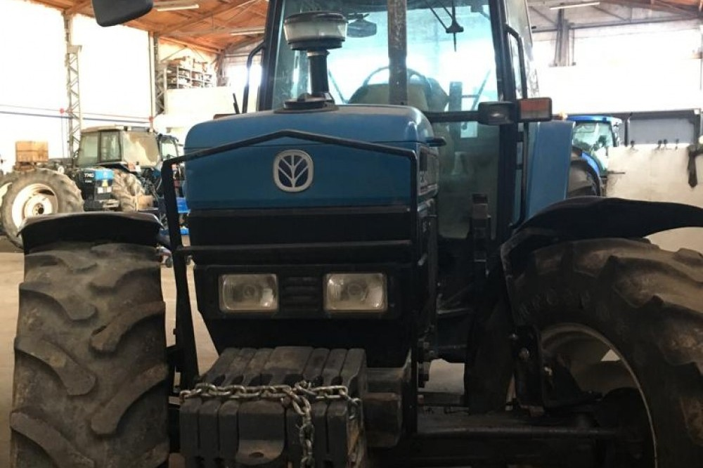 Tractor Ford 8340 DT Ford