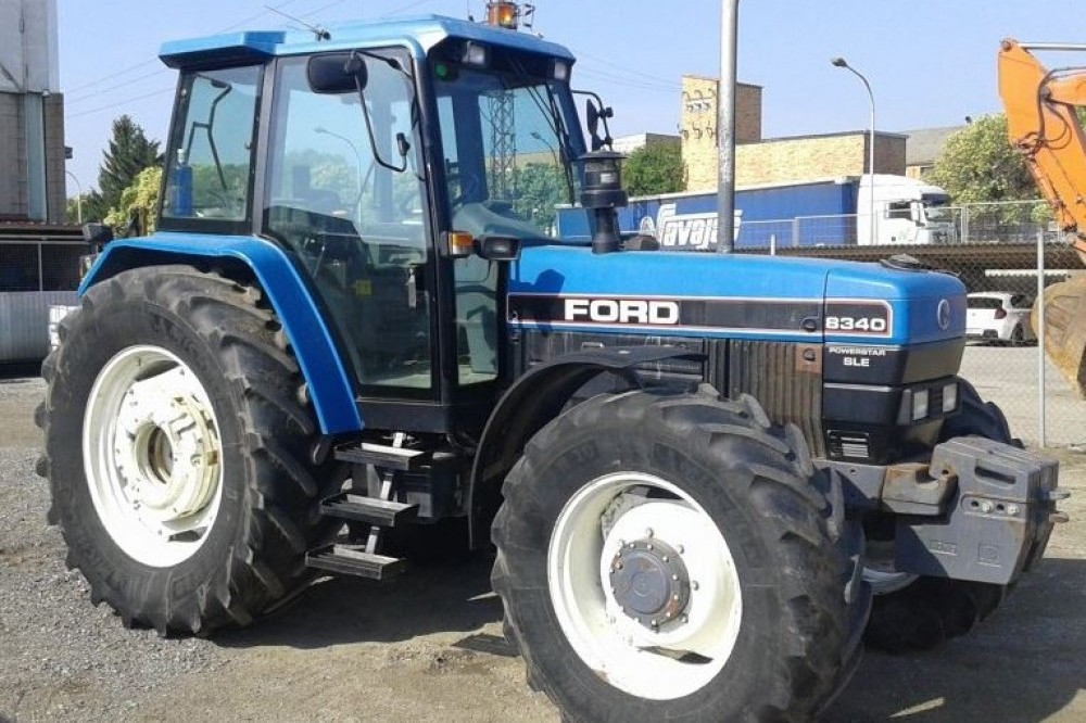 Tractor New Holland Ford 8340 DT Cabina Ford new holland