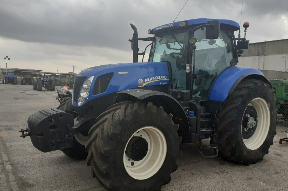 TRACTOR NEWHOLLAND T7.250 AC New holland
