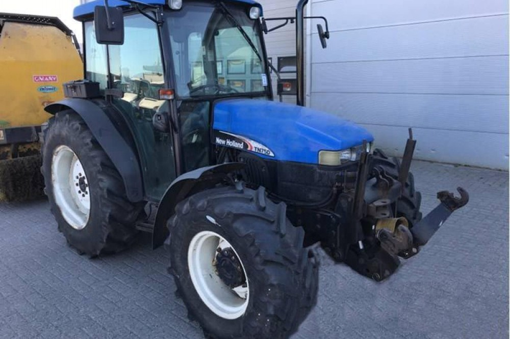 NEW HOLLAND TN75 TRW