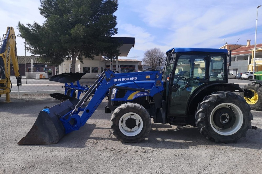 New Holland T-4040-DT New holland