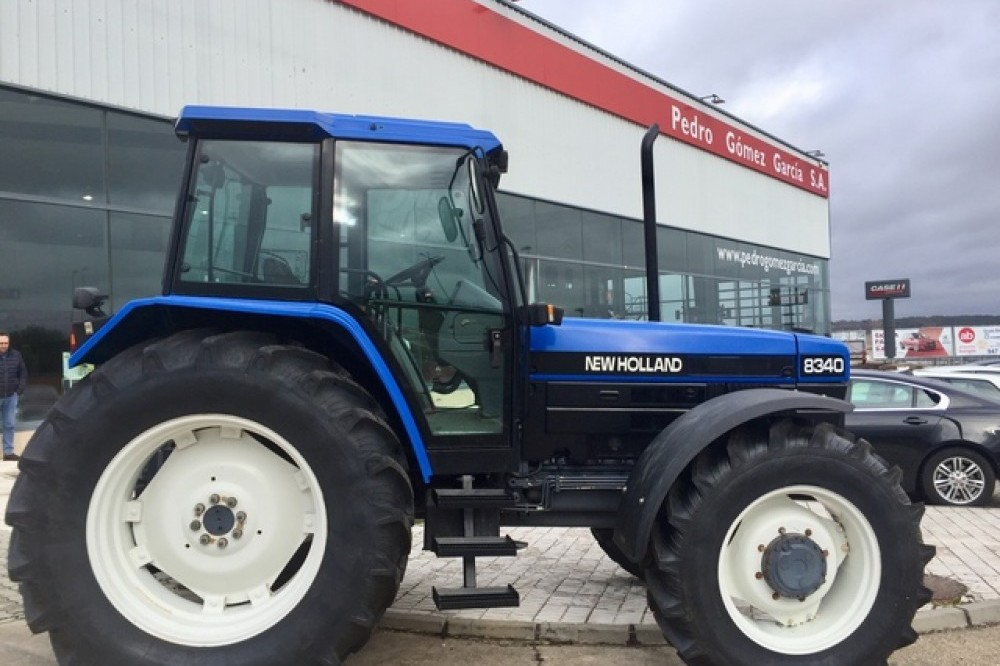 New Holland 8340 SLE New holland
