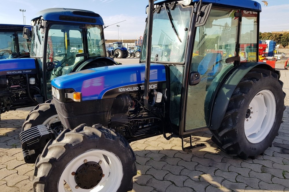 New Holland TN90F 4WD