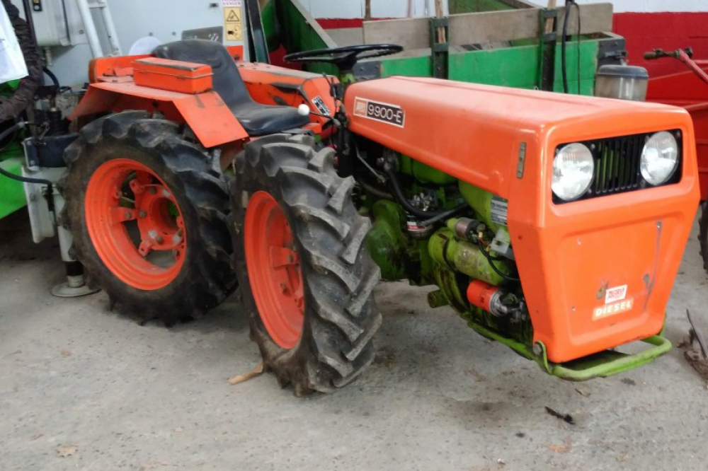 Tractor Agria 9900E